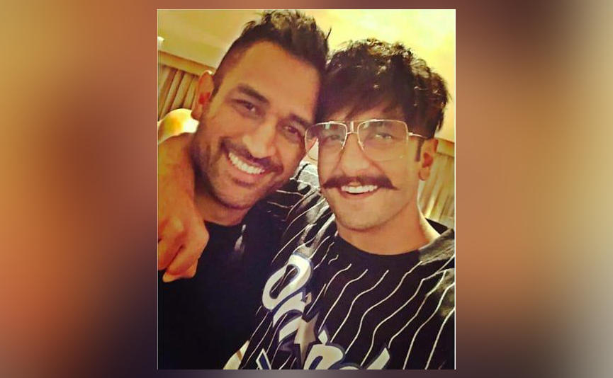 Ranveer Singh posts selfie with MS Dhoni, calls him greatest #RanveerSingh #MSDhoni #Cricket #India #Bollywood